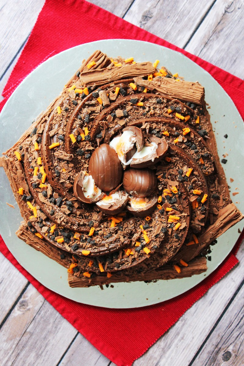 It's Creme Egg Season why not bake this show stopping Creme Egg Nest Cake. Recipe on Supper in the Suburbs