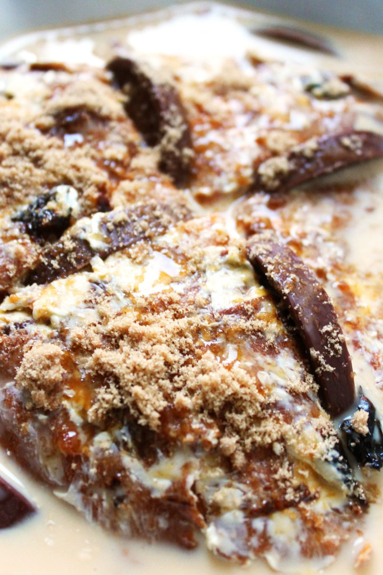 Use up the Terry's Chocolate Orange from your Christmas Stocking in this festive Bread and Butter Pudding recipe made with leftover panettone (and a splash of booze!) Perfect for pudding over the holiday season!