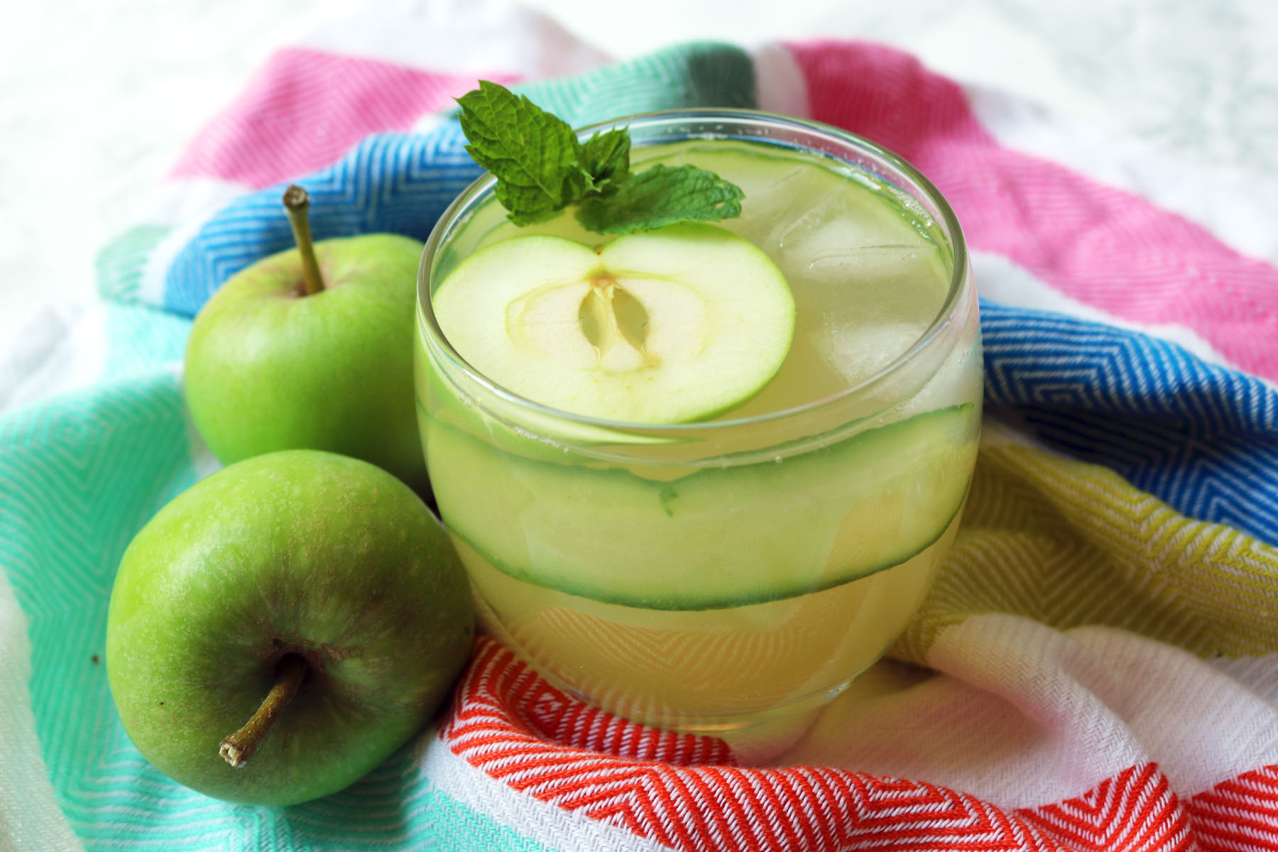 Green Apple Gimlet with cucumber and mint