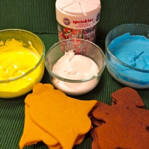 Decorating cookies with Royal Icing