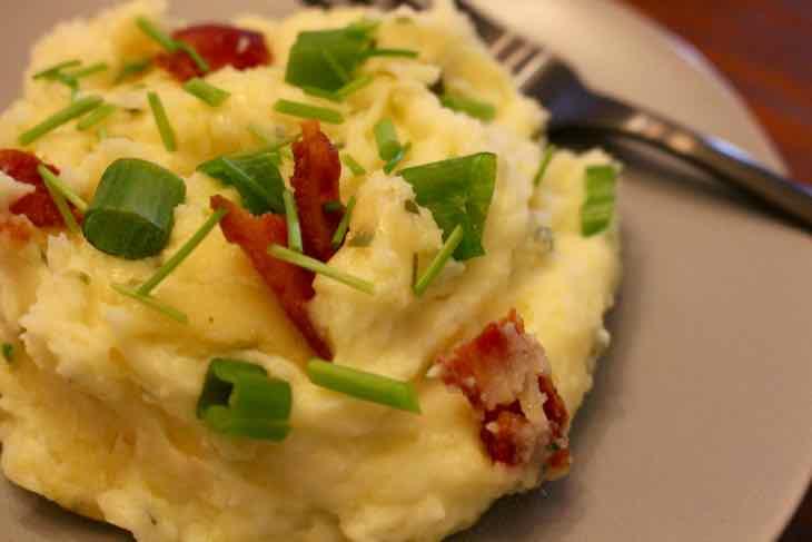 Loaded Twice Baked Potato Casserole Plated