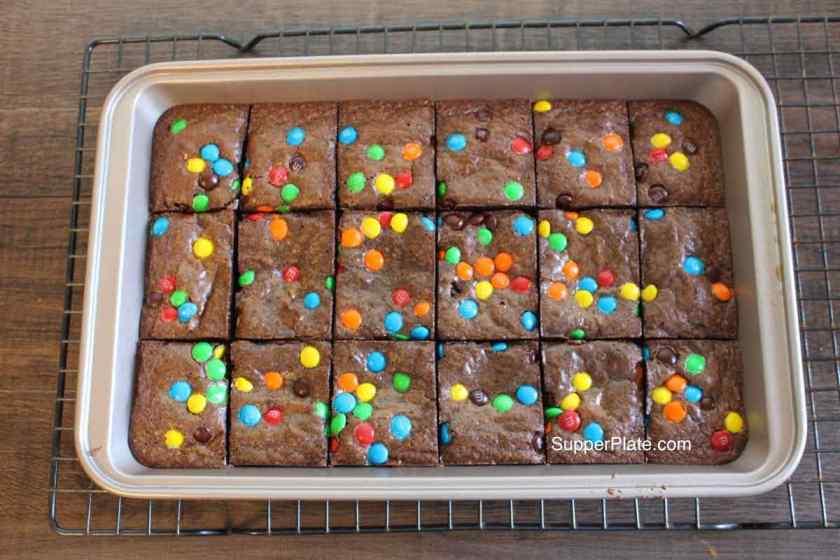 Brownie pan 5 remove divider