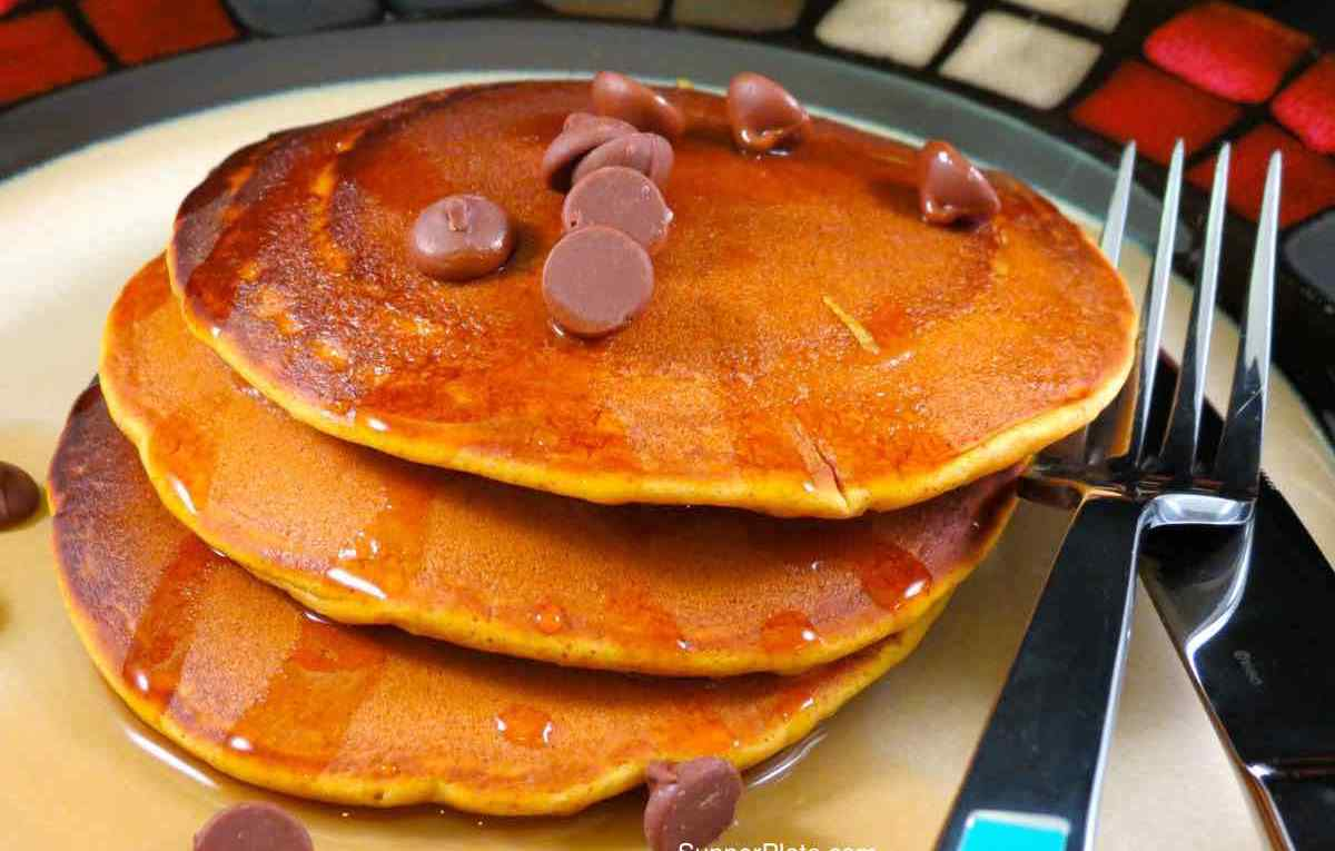 Pumpkin Spice Pancakes with chocolate chips cover
