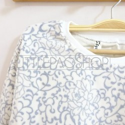 IMPORT - Elsa Sweater Detail