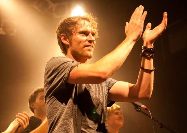 Johannes Oerding am Ende des Konzerts, Knust Hamburg, 19.09.2009