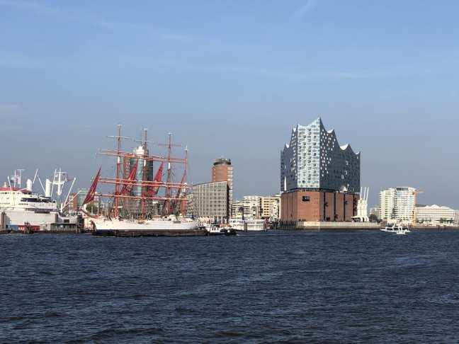 Elbphilharmonie im Hamburger Hafen