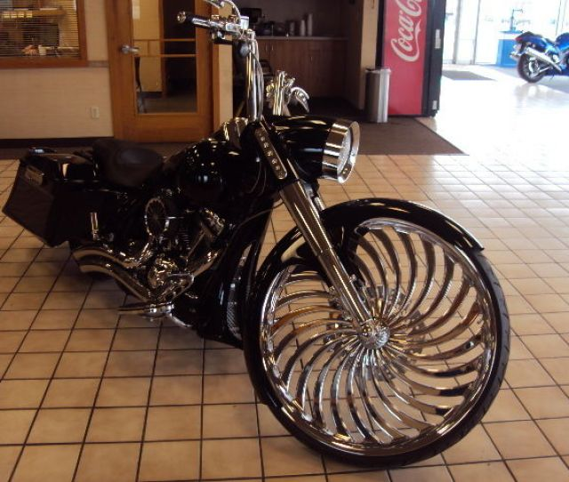 2007 Road King Cvo Screaming Eagle Custom W Stretched Tank And Dirty Bird Bags