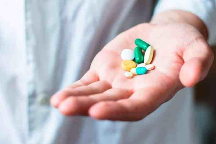 Os médicos, do Hospital Rajavithi, em Bangcoc, disseram no domingo que descobriram um tratamento promissor para coronavírus