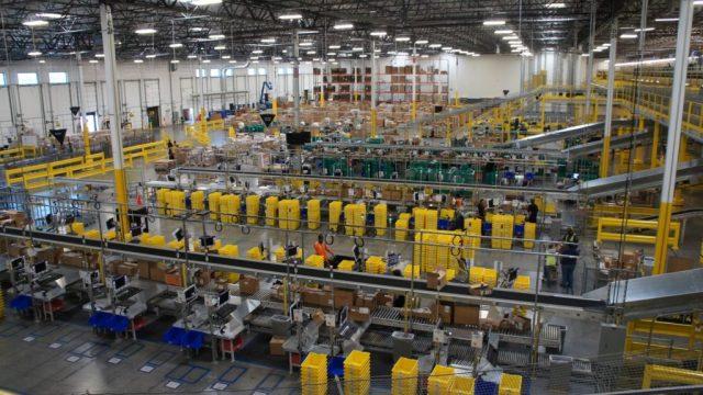 Amazon usa IA para despedir automaticamente trabalhadores com baixa produtividade