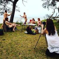 Další porce naháčů! Fotografka z Berlína pokračuje v sérii S a bez oblečení