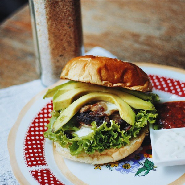 Carpentier Avocado & Coffee Burger