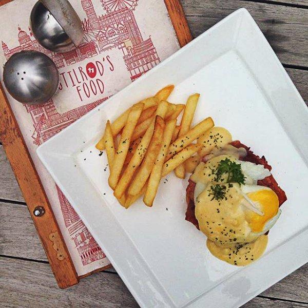 Stilrod Cafe Egg Benedict