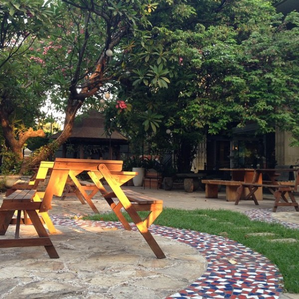 Stilrod Cafe outdoor2