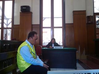 Terdakwa Agus Sugiharto alias Lo Tjien Hok dituntut 12 tahun penjara karena memiliki narkoba jenis sabu-sabu seberat 0,35 gram.