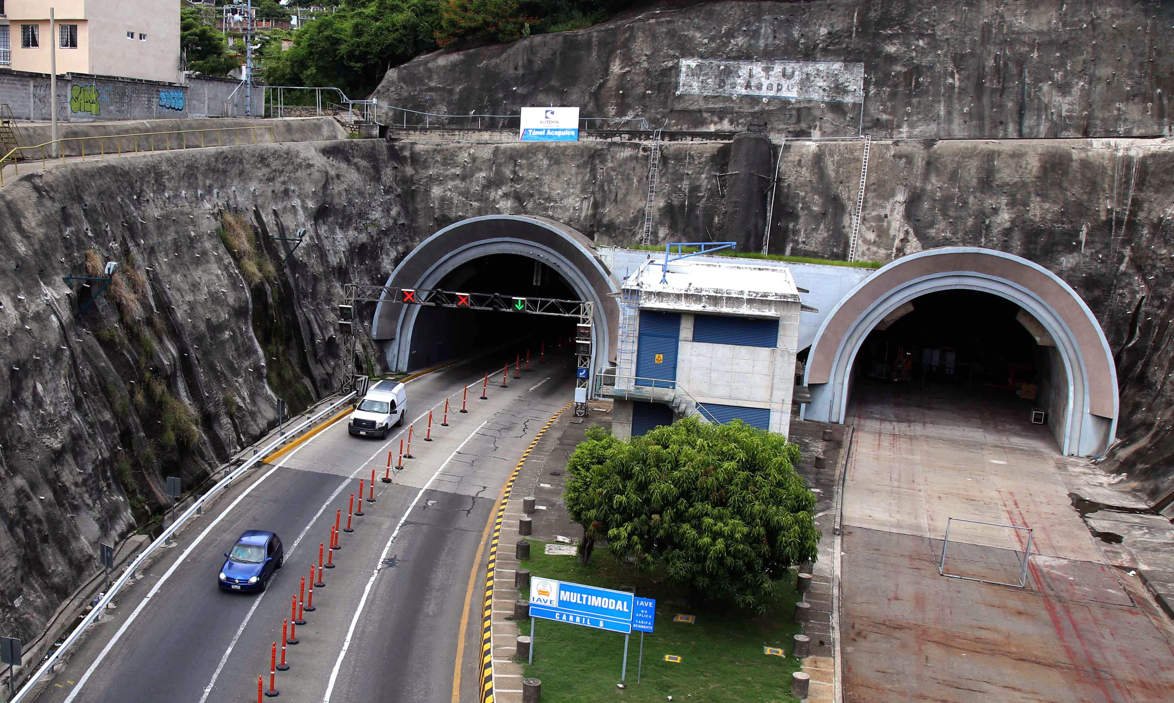 7-09-2017 Acapulco, Gro.Aspecto del Maxitúnel en la colonia Cumbres de Figueroa .Foto: Carlos Alberto Carbajal