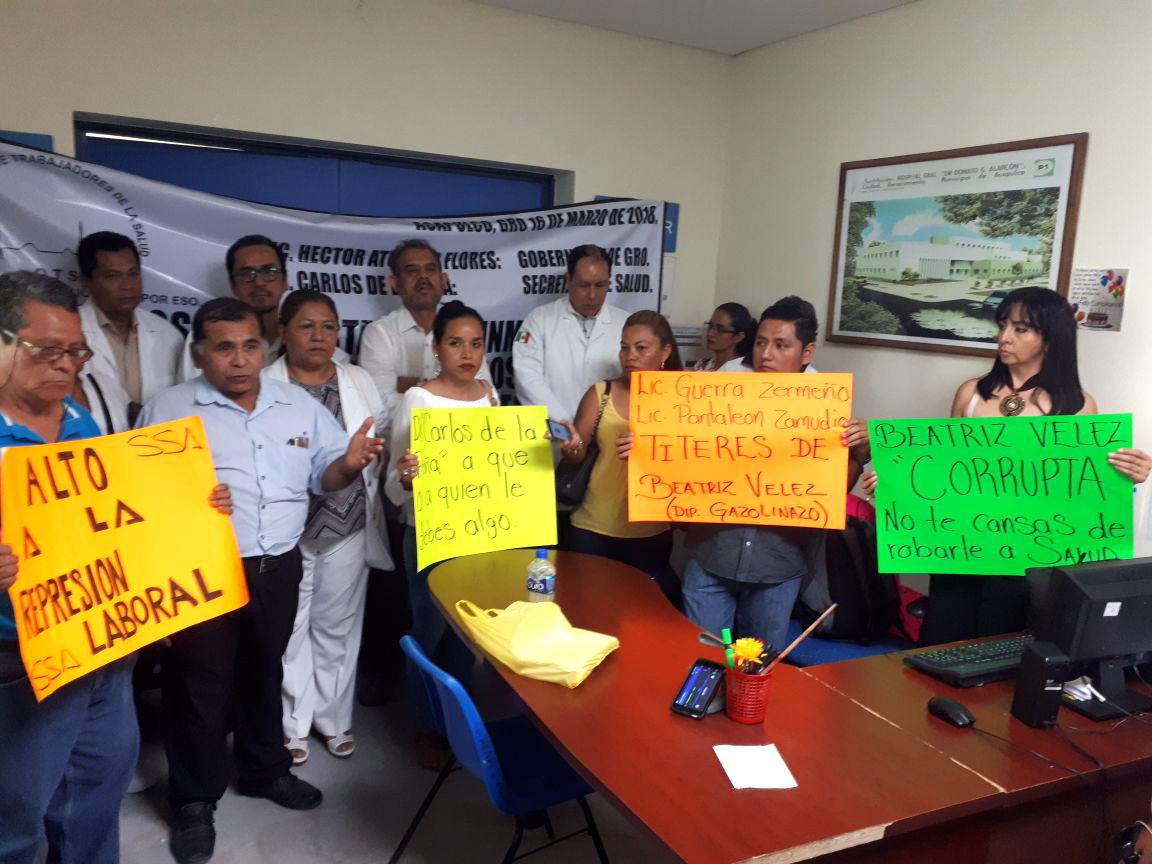 Resultado de imagen para protestan en salud contra bety velez