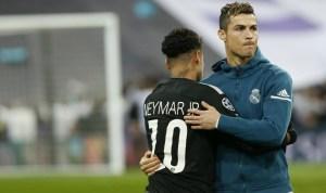 El brasileño Neymar con el Portugués Cristiano Ronaldo