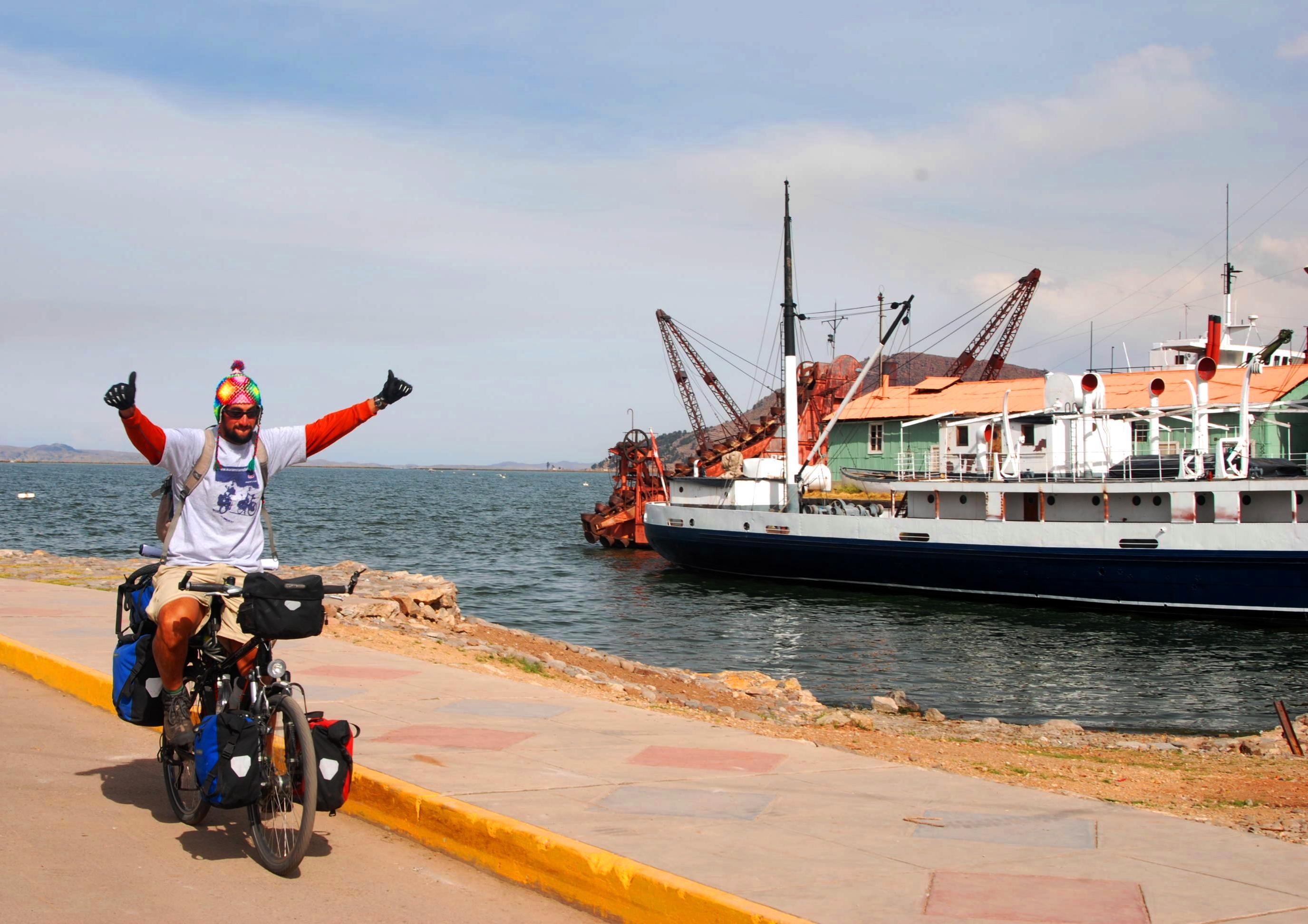 Pedalendo en el Titicaca