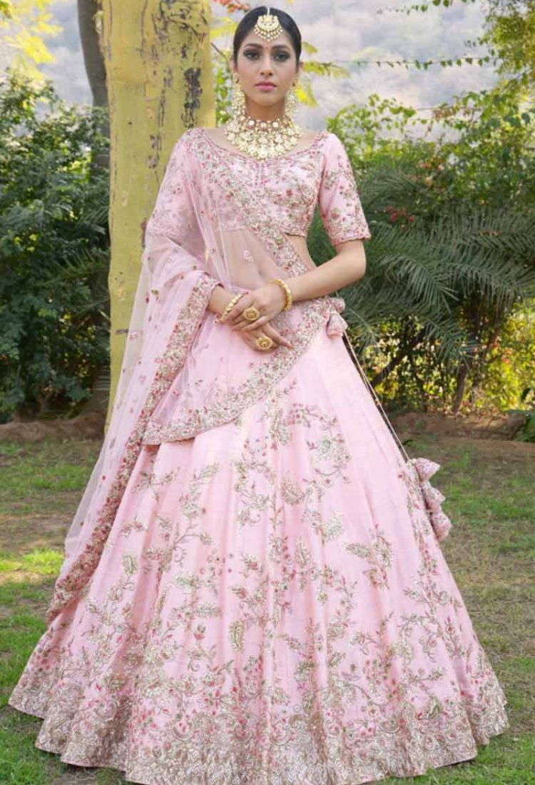 577b7a2046 krishna export pressent bollywood style Traditional Exclusive Bridal Women  Lehenga Choli