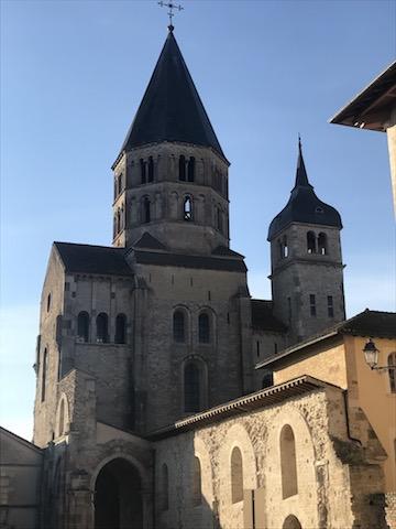 clocher typique Cluny