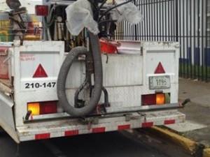 Destruyen carril para bici de San Pedro2