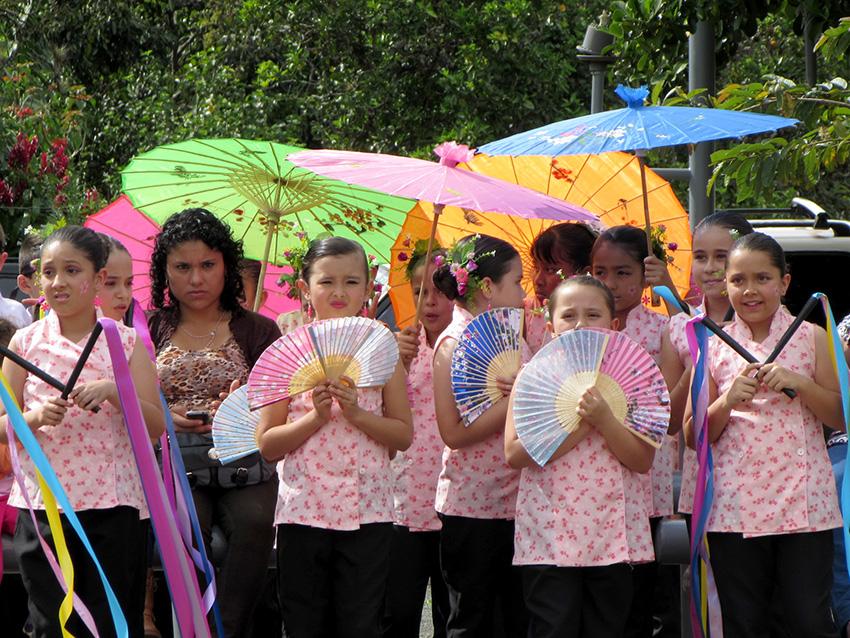 Comunidad de Dota celebra la vida en festival cultural13