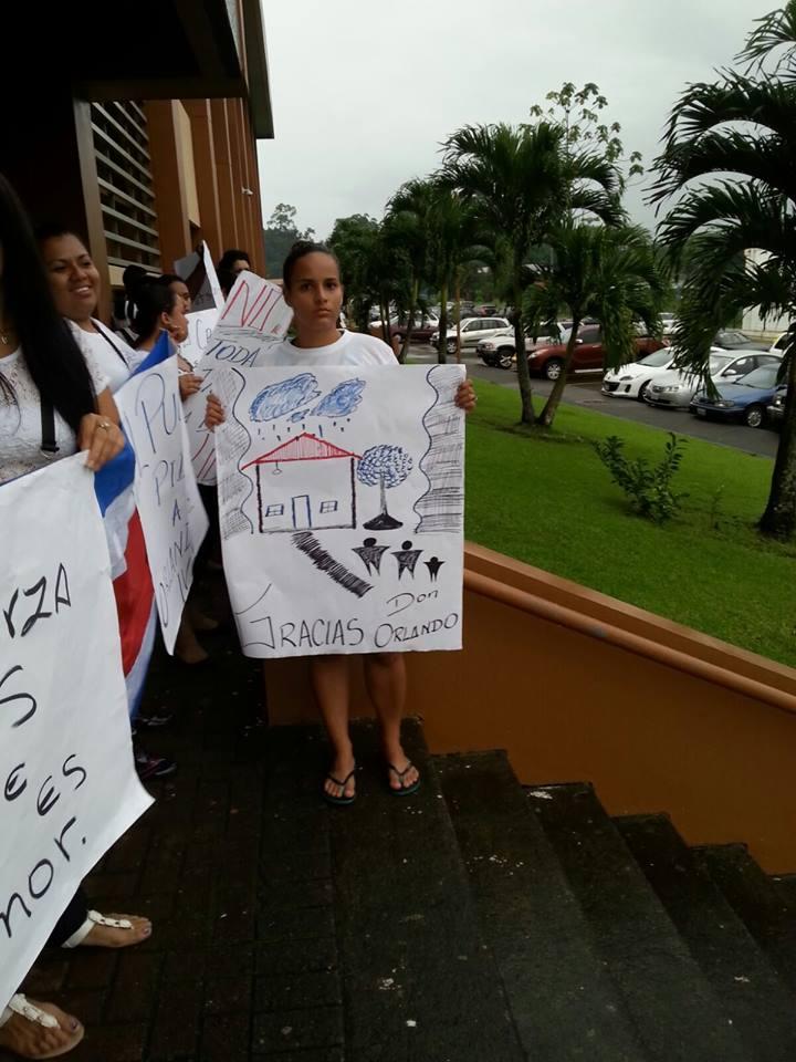 Realizan actividades solicitando la libertad para Orlando Barrantes12