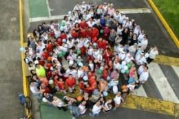 UCR celebra la caminata Un Abrazo Mundial