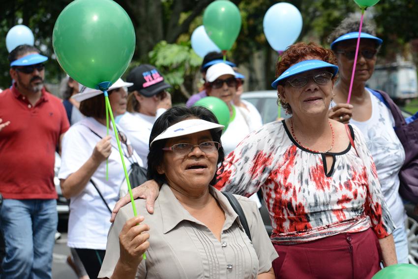 UCR celebra la caminata Un Abrazo Mundial14