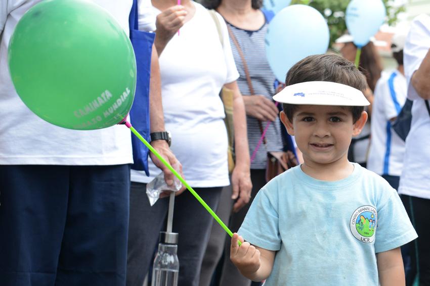 UCR celebra la caminata Un Abrazo Mundial9
