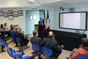 Embajador de Francia visita el Instituto Clodomiro Picado5