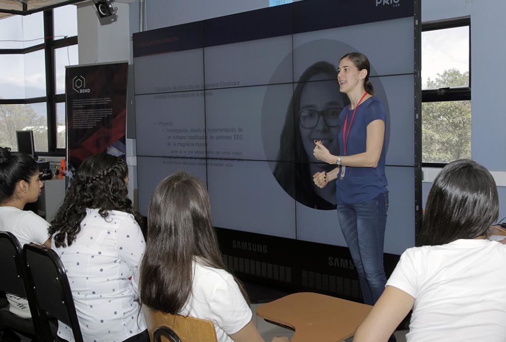 UCR motiva a mas mujeres a estudiar ingenieria2
