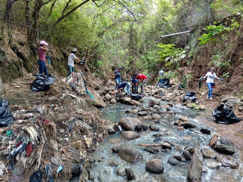 UNA I Jornada de Limpieza del Rio Pirro6