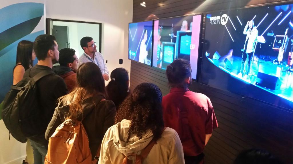 UNA futuros planificadores analizan la TV Digital4