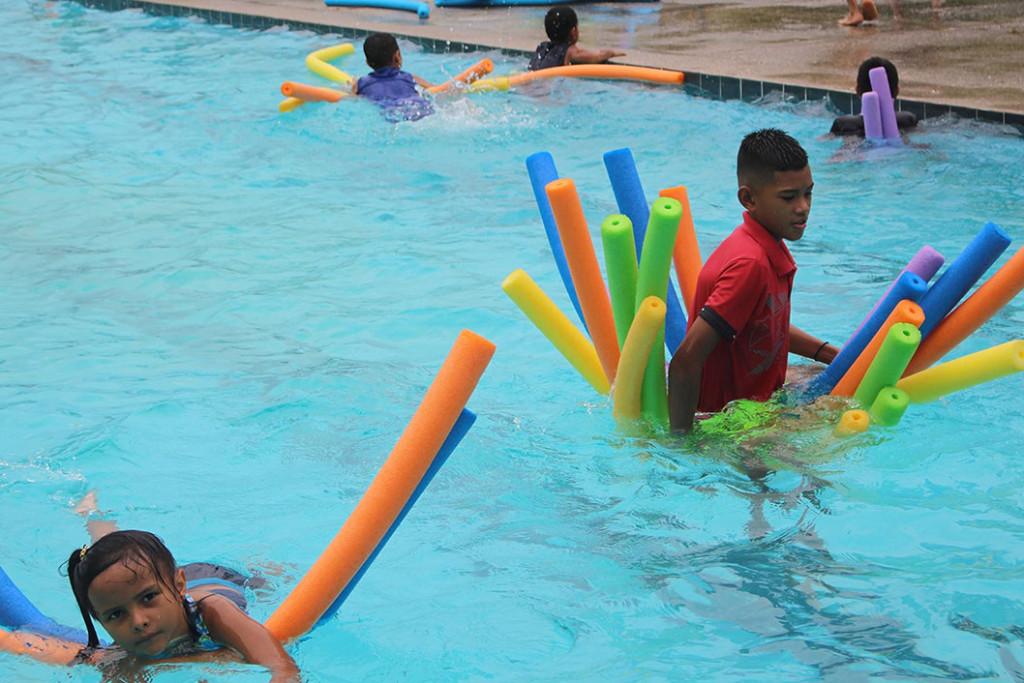 Ninas y ninos de Limon disfrutaron de campamento en Sede del Caribe2