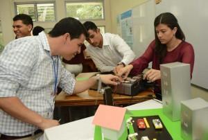 Industria de dispositivos medicos se enriquece con profesionales en Ingenieria Quimica de la UCR