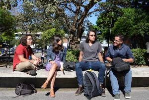 Estudiantes, personas, gente, leer, campus universitario