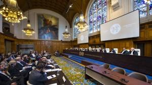 UCR voz experta Un tribunal dos estados tres controversias