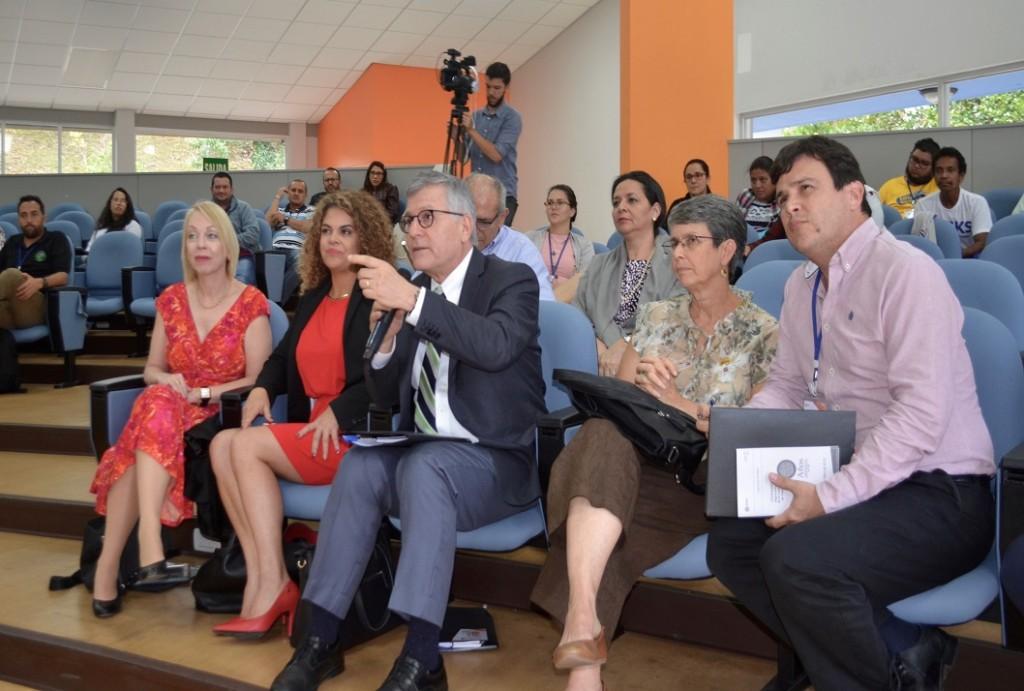 En I Congreso de Regionalizacion de la UCR3