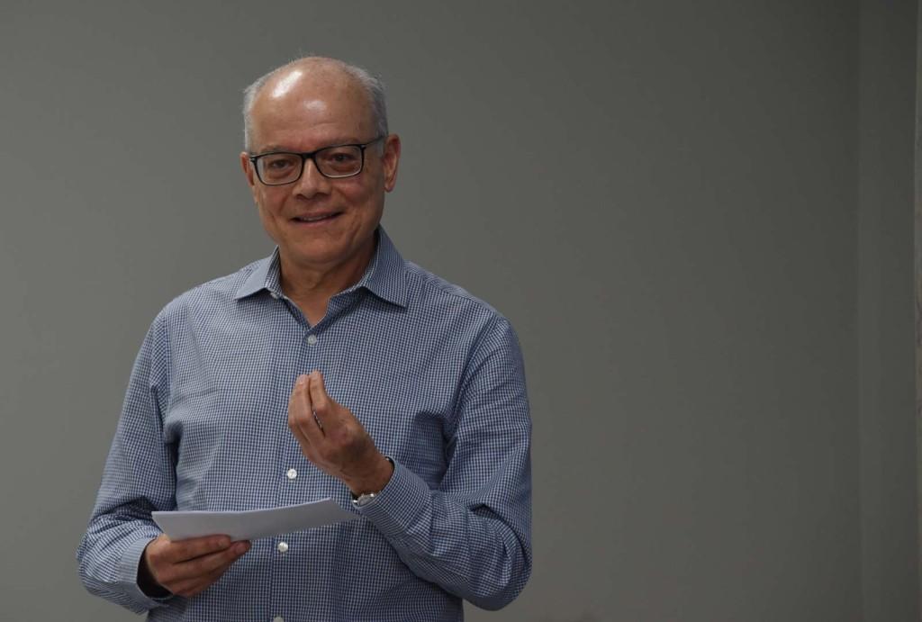 El analista sociopolítico y comunicador M.Sc. Eduardo Ulibarri reconoció en las pasadas elecciones una creciente dispersión mediática, en la que los medios tradicionales evidenciaron una menor centralidad.- foto Karla Richmond, UCR.