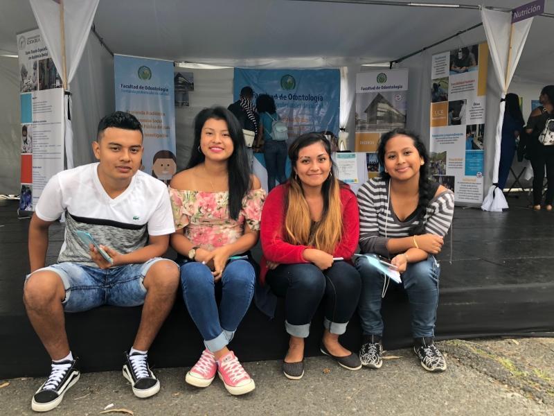 Jovenes indigenas visitaron la Feria Vocacional UCR 2018b