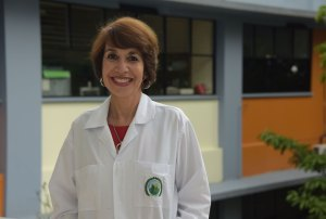 UCR Entre alimentos y agua investigadora de la UCR es reconocida como cientifica destacada 2018
