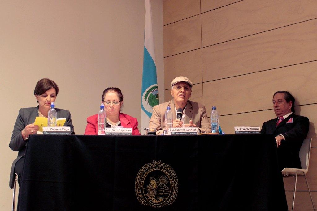 UCR Jerarcas y academicos reflexionan sobre avances y desafios del Codigo de la ninez y la adolescencia2