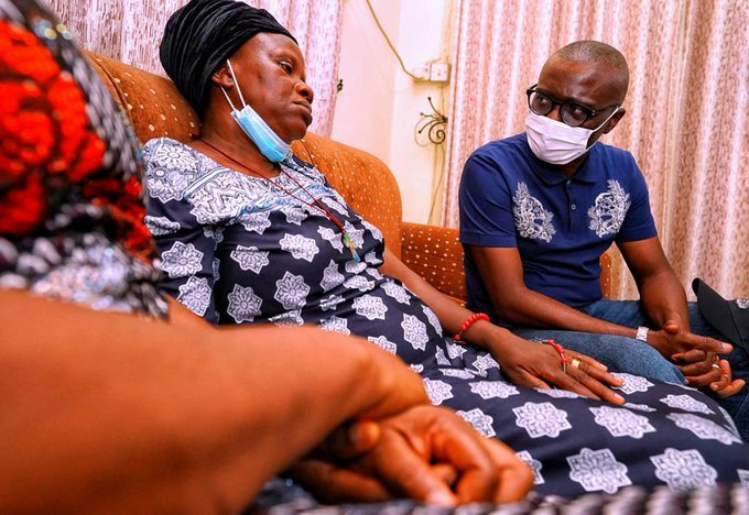 Governor Sanwo-Olu Pays Condolence Visit To The Family Of Man Killed During #EndSARS Protest In Surulere Last Monday