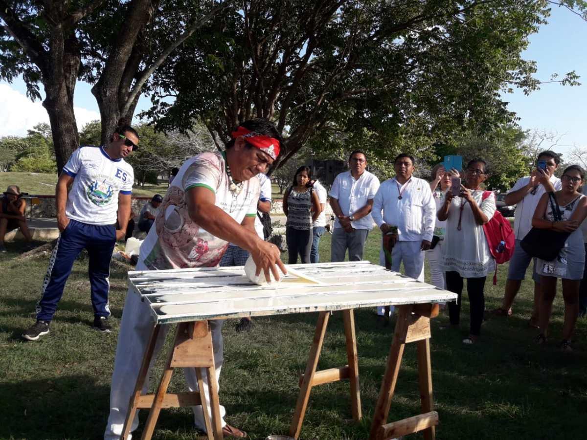 Abuelas En Pelotas renace en yucatán el conocimiento milenario del pok ta pok