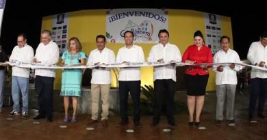 Inaugura el Gobernador Mauricio Vila Dosal la Feria de la Guayabera de Tekit 2019