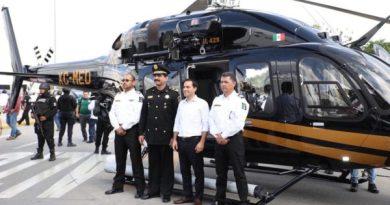 El Gobernador Mauricio Vila Dosal entregó moderno helicóptero a la SSP y más patrullas a municipios