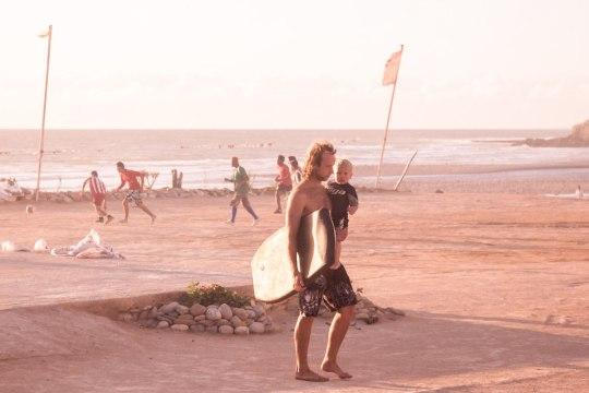 Малыш серфил на бодиборде | Школа серфинга в Марокко Surf-Burg