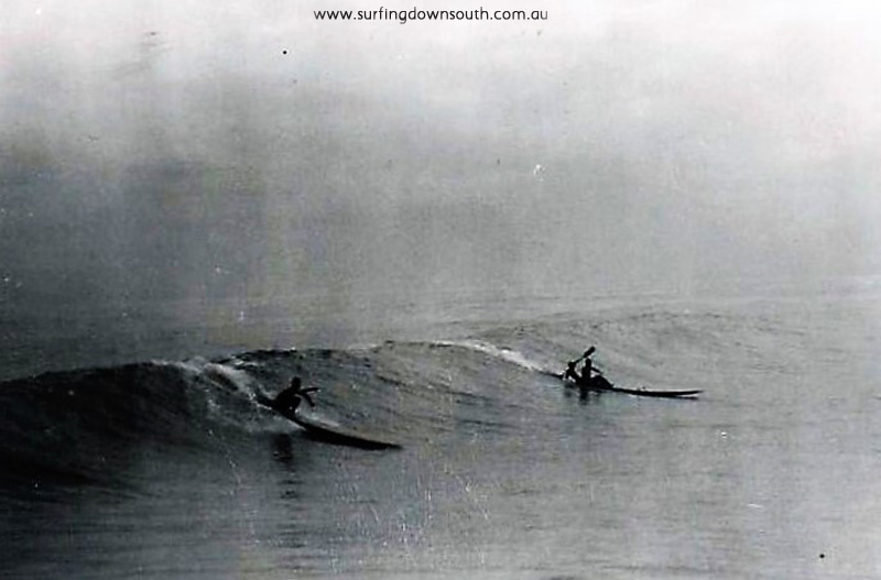 1956-city-beach-dave-williams-on-toothpick-jim-keenan-cocko-killen-double-ski-ray-geary-pic