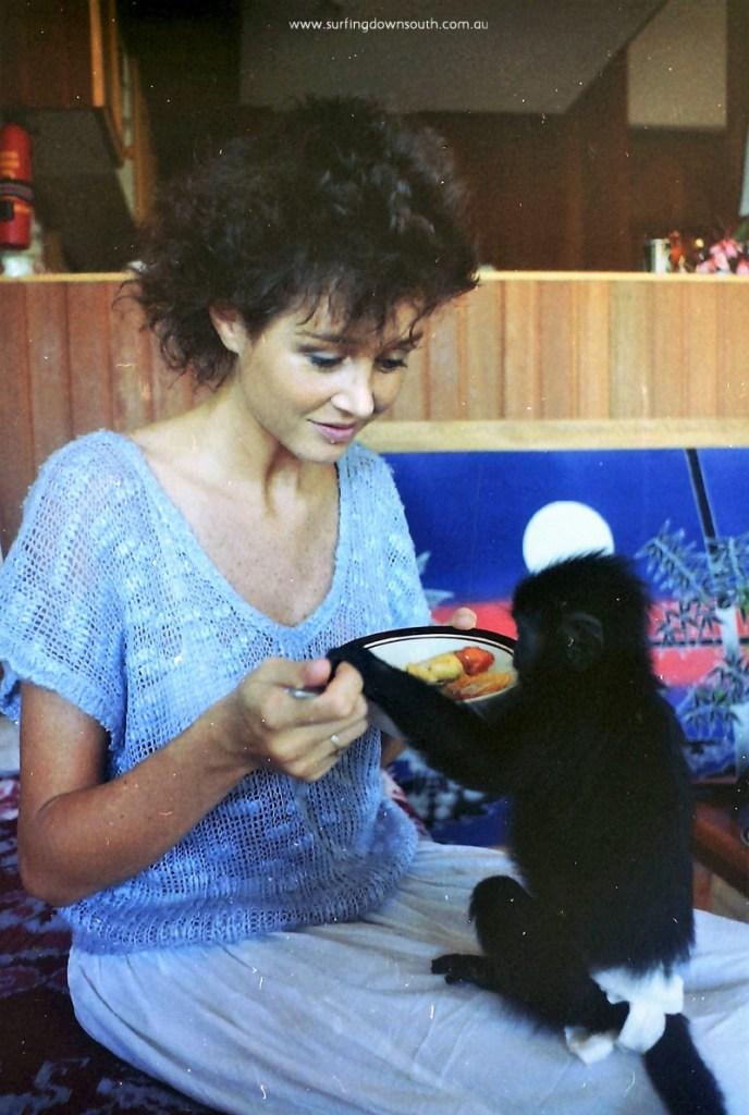 1985-bali-sami-monkey-ric-chan-pic-dsc00025